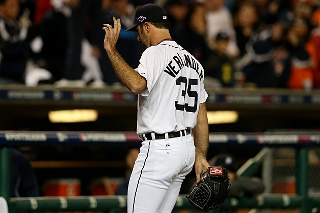 DETROIT, MI - OCTOBER 16: Justin Verlander #35 of the Detroit Tigers gestures as he walks back to the dugout after he was taken out of the game in the ninth inning against the New York Yankees during game three of the American League Championship Series at Comerica Park on October 16, 2012 in Detroit, Michigan. (Photo by Jonathan Daniel/Getty Images)