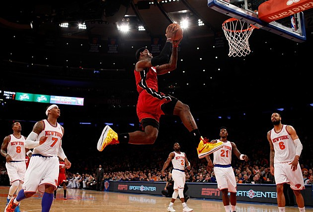 NEW YORK, NY - MARCH 03: LeBron James #6 of the Miami Heat dunks the ball against the New York Knicks at Madison Square Garden on March 3, 2013 in New York City.NOTE TO USER: User expressly acknowledges and agrees that, by downloading and or using this photograph, user is consenting to the terms and conditions of the Getty Images License Agreement. Mandatory Copyright Notice: Copyright 2013 NBAE (Photo by Nick Laham/Getty Images)