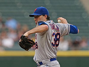 CHICAGO, IL - JUNE 26: Starting pitcher Shaun Marcum #38 of the New York Mets dleivers the ball against the Chicago White Sox at U.S. Cellular Field on June 26, 2013 in Chicago, Illinois. (Photo by Jonathan Daniel/Getty Images)