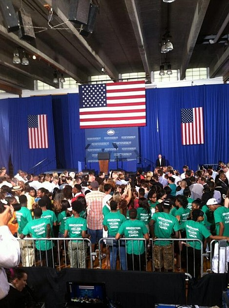 Obama Set up at Henninger High School