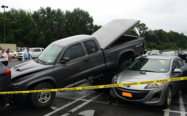 Six Vehicle Accident at Sangertown Mall
