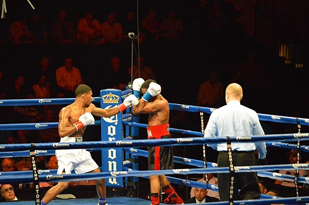 Ryan Martin def Ian James via unanimous decision (June 6, 2014 ESPN Friday Night Fights at Turning Stone, Verona, NY - photo: Jeff Monaski, WIBX)
