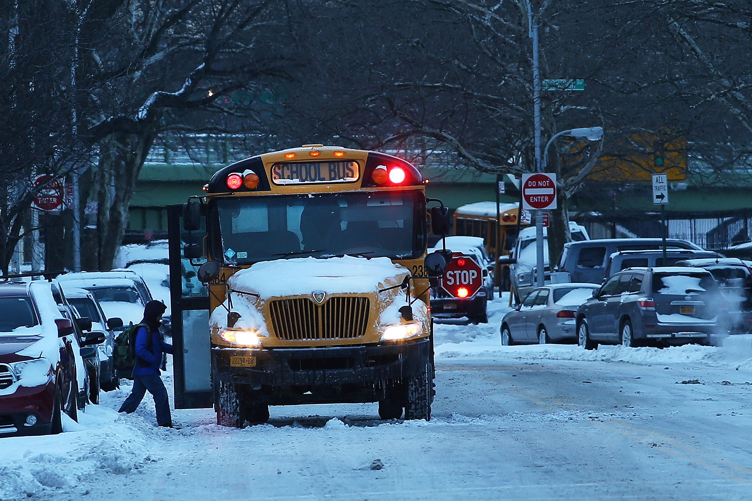 School Closings And Delays For The Mohawk Valley Lite 987 In Car Lights Delay Keep Up To Date